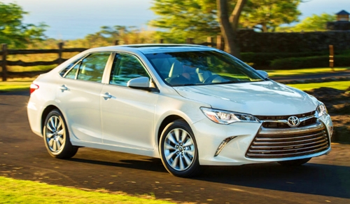 2018 Toyota Camry Hybrid Canada Review