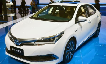 2018 Toyota Corolla Altis Review and Price