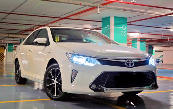 2019 Toyota Camry Hybrid Malaysia Review