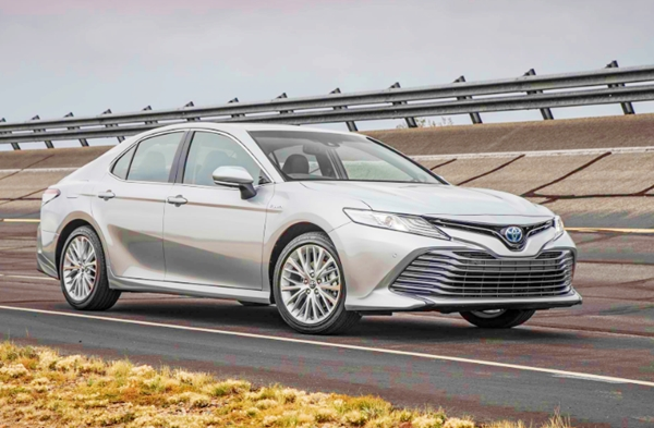 2019 Toyota Camry Review Canada