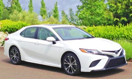 2019 Toyota Camry SE Review Philippines