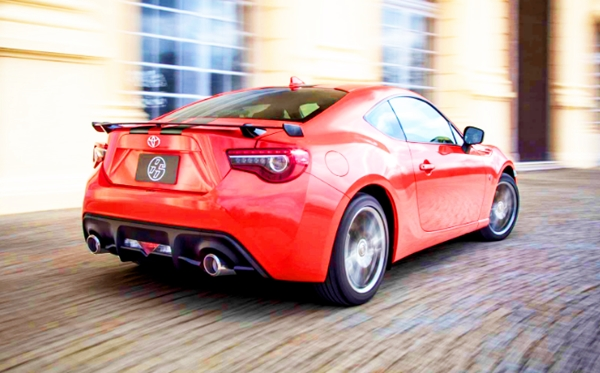 2019 Toyota GT 86 Orange Edition Review
