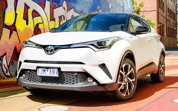 2019 Toyota CHR Hybrid XLE Review and Redesign