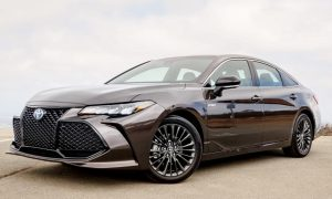 2019 Toyota Avalon Hybrid Limited Review