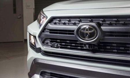 2019 Toyota RAV4 Hybrid Limited Edition Canada