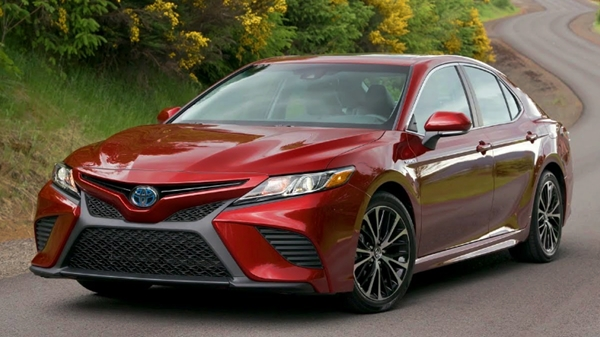 2019 Toyota Camry XSE Hybrid Review United States