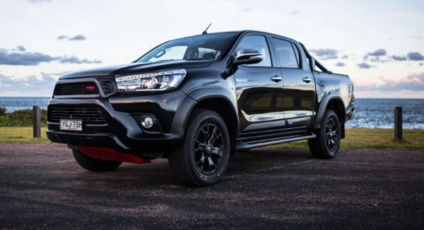 2020 Toyota Hilux SR5 TRD Review